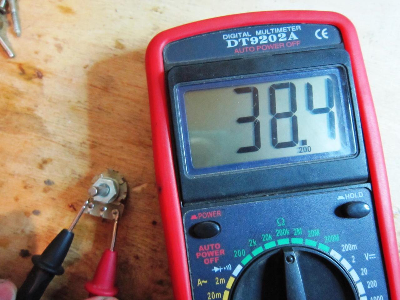 измерение сопротивления переменного резистора