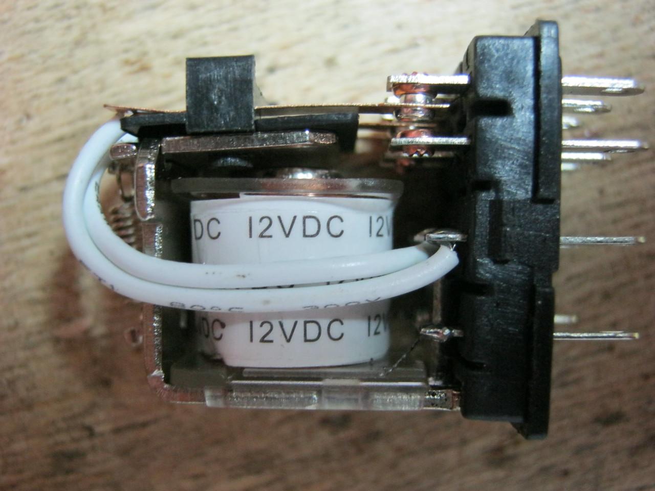 электромагнитное реле катушка