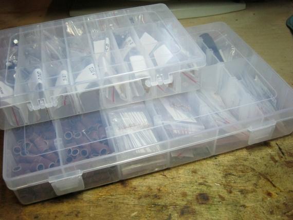 где хранить радиодетали пластиковые коробки